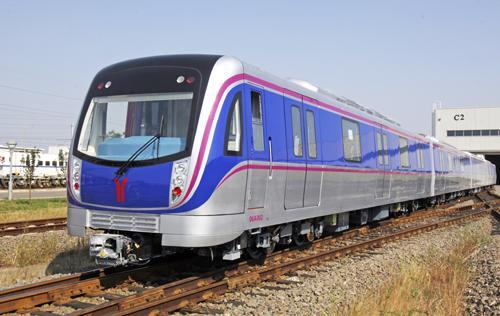首列广州六号线直线电机地铁车辆青岛下线