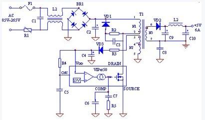 在交流输入端串联了一只负温度系数的热敏